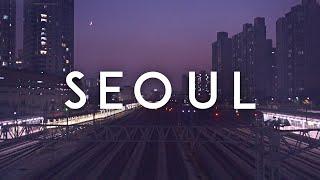 터벅터벅 걸어가는 퇴근길, 지하철역에서 본 풍경. 서울…