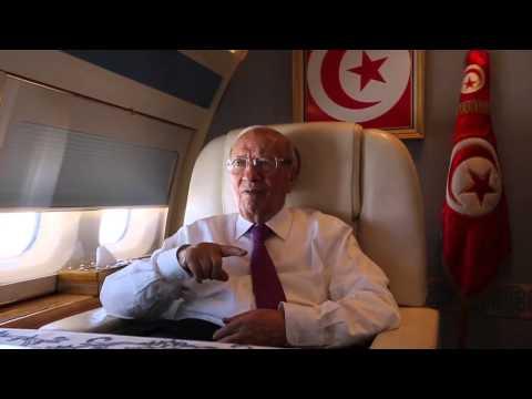Béji Caïd Essebsi à bord de l'avion présidentiel pour son voyage aux Etats-Unis