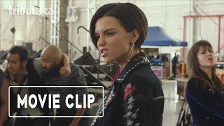 "Pitch Perfect 3 - Movie Clip: ""Evermoist Starts Round 2 of The Riff Off"""