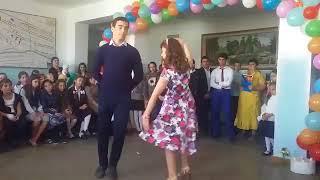 Красивое поздравление #с_днем_учителя! С праздником! C днем.