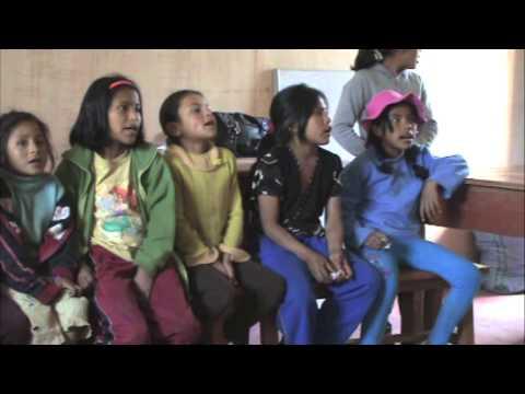 Baixar Niños alto andinos de la comunidad campesina de Choquepata Cusco Perú. ASOCIACION CHICO LATINO