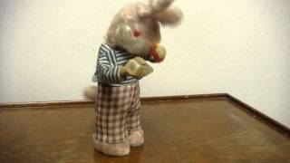 Mov04189.mpgvtg Thirsty Drinking Wind Up Rabbit Toy Works Fine