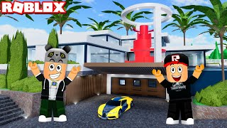 Artık Yeni Milyoner Evimiz ve Asansörlü Garajımız Var!! - Panda ile Roblox Robloxian High School