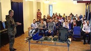Ветераны морской пехоты преподали урок мужества воспитанникам коррекционной школы в Чапаевске