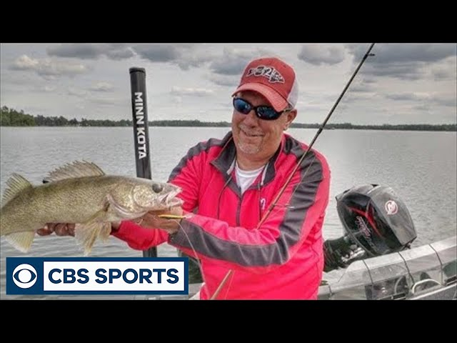 target-offshore-walleye-with-jigging-raps-and-stealth