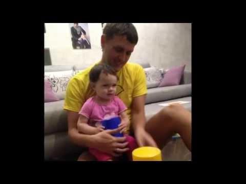 Видео как папа бьет дочку