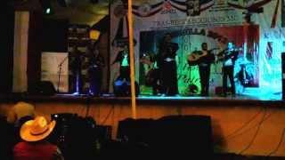 Participación del  Mariachi Alazán de los reyes Acozac  en las fiestas patrias de Ozumbilla 2013. V2
