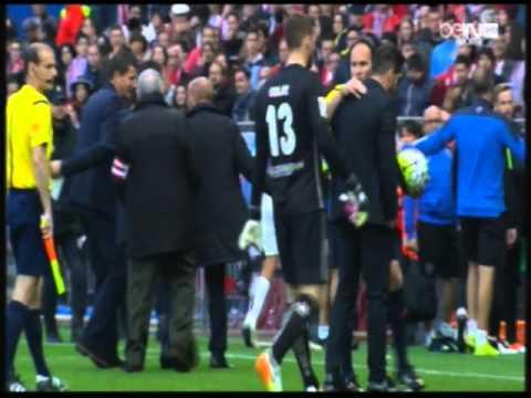 شاهد مافعله سيميوني مدرب اتلتيكو مدريد ضد مهاجم مالاجا -الدورى الاسبانى || مشهد غير اخلاقى