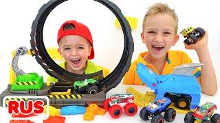 Влад и Никита играют с Hot Wheels Monster Truck