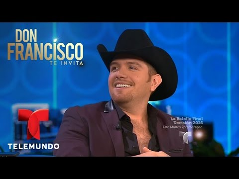 Don Francisco Te Invita | Vicente Fernández le dio la patadita de buena suerte a El Dasa | Entrete