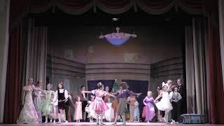 Смотреть видео Щелкунчик. Часть 1  Новый театр танца, Санкт-Петербург. онлайн