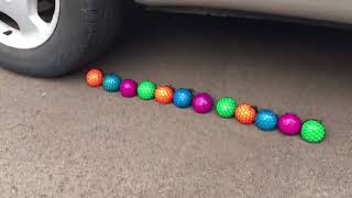 EXPERIMENT CAR VS SQUISHY STRESS BALLS 2