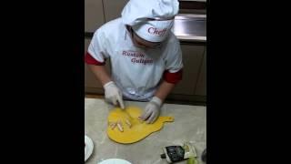 Как приготовить салат цезарь от Rustam Cook-а(Подробный видео обзор как приготовить салат цезарь., 2015-12-03T19:02:48.000Z)