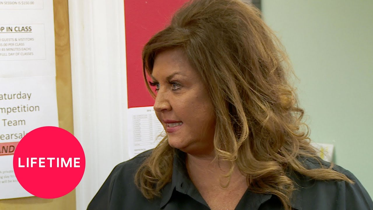 Download Dance Moms: Bonus: The Minis' Moms Check In with Abby (Season 7, Episode 21) | Lifetime