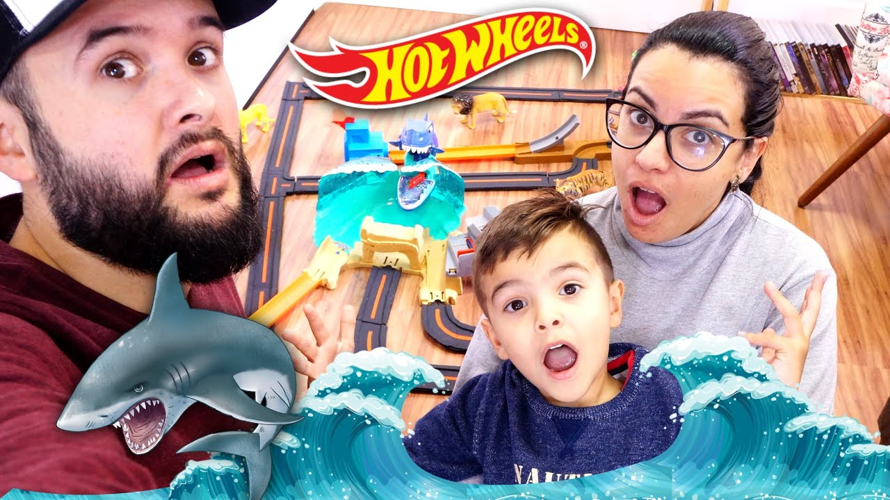 HOT WHEELS City Ataque TUBARÃO Gigante