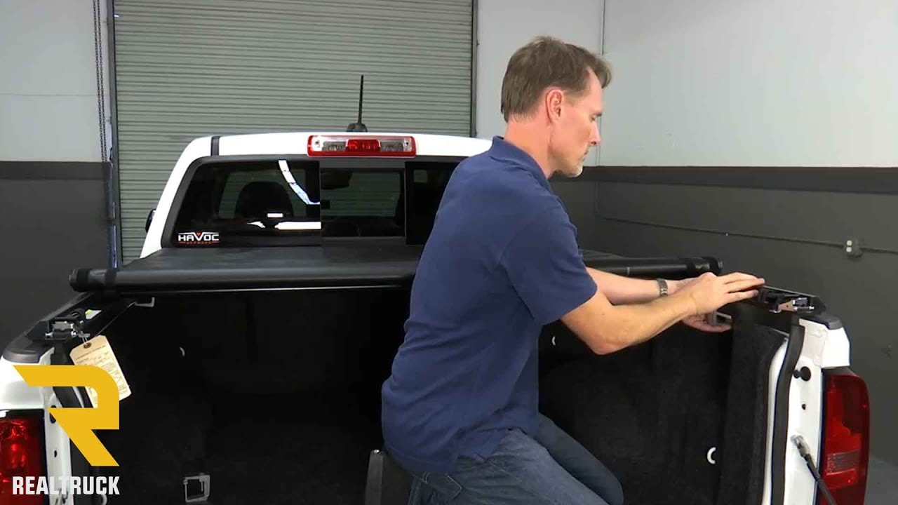 How To Install Gator Sr1 Roll Up Tonneau Cover On A 2016 Chevy Colorado Youtube