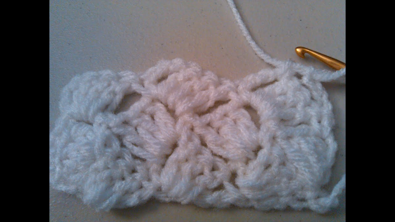 Crocheting Shell Stitch : Crochet crazy shell stitch, Slanted shell / Puntada Conchas locas en ...