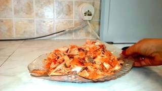 Щи с лососем и консервированной семгой