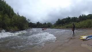 ちょっと増水の尻別川ダッキー