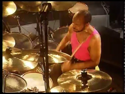 Chester Thompson Drum cam - Inside Out (live 1990)