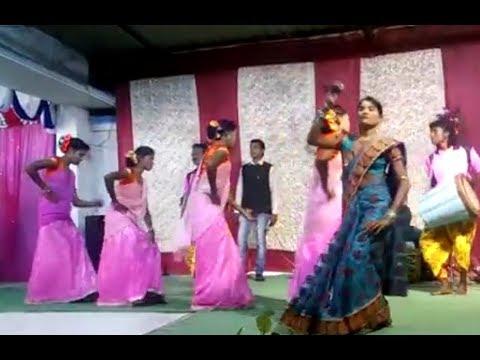 ঝুমুর গান... Anjali Mahato stage program purulia jhumur gaan...রাধা রাধা বলে..