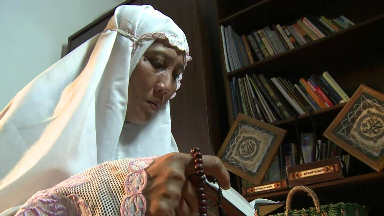 Indonesian Muslim Lady who Witnessed Miracle by Jesus Eventually ...