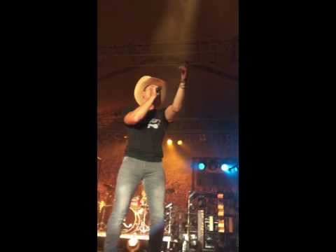 Dustin Lynch - Party Song