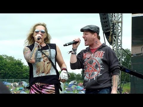 Steel Panther Ft. Corey Taylor - Death To All But Metal (Live - Download, Donington, UK, June 2012)