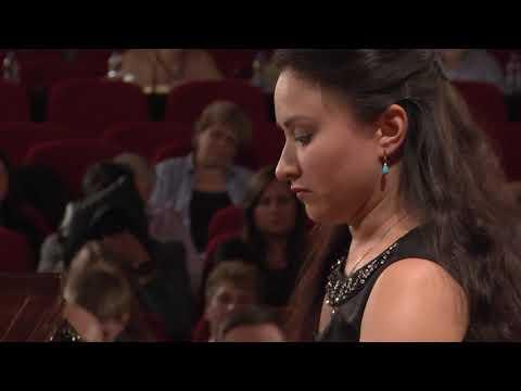 Dinara Klinton – F. Chopin, Etude in A flat major, Op. 25 No. 1 (First stage)