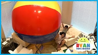 WORLD'S LARGEST BEACH BALL! Family Fun Activities for Children with Inflatable kids toys