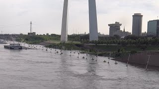Mississippi River near-record crest in downtown St. Louis: June 7, 2019
