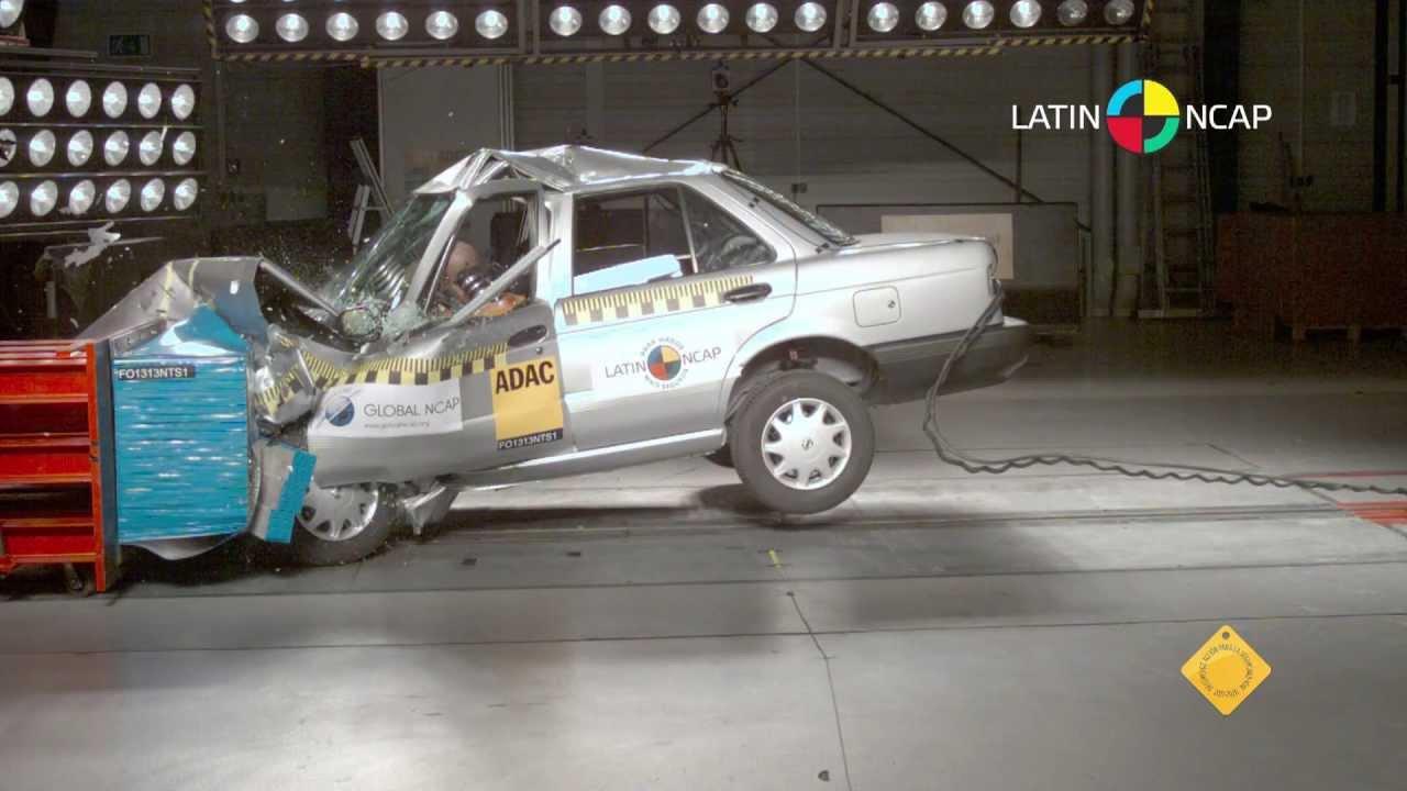 Nissan Tsuru / Sentra B13 NO Airbags - YouTube