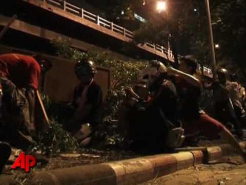 Blasts Kill 1, Wound Dozens in Bangkok