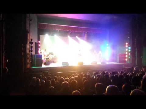 Chris connor World famous Elvis Show whitehall theatre dundee 2016