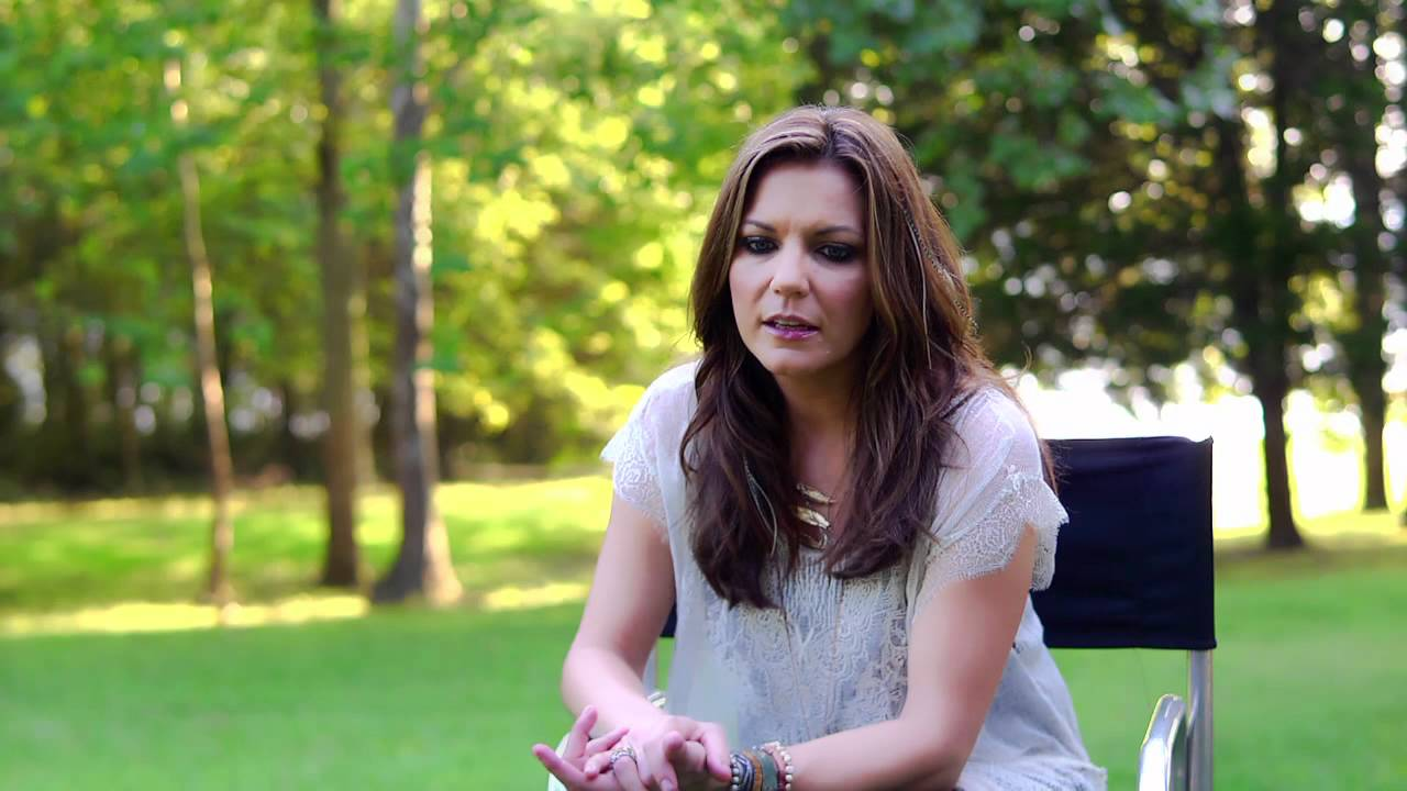 """Download The Making of """"I'm Gonna Love You Through It"""" - Martina McBride"""