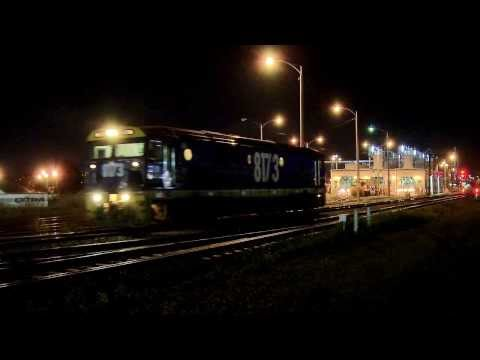 Pacific National 81 Class Diesel locomotive At Night - PoathTV Trains in Australia