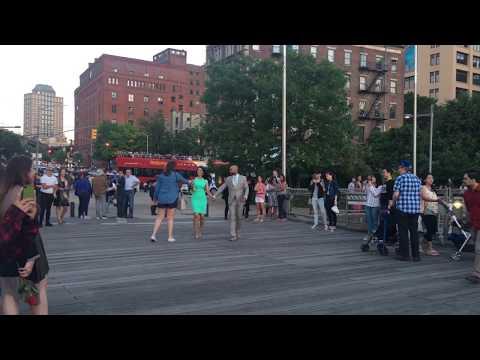 Best marriage proposal in Brooklyn Bridge Park!