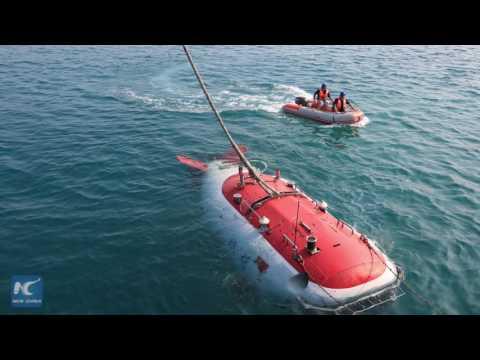 China's deep-sea submersible to explore South China Sea