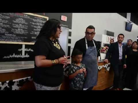 Vaka Burger Opens Inside Ramirez Liquor in Boyle Heights