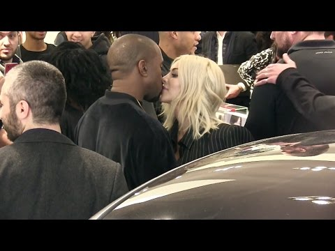 EXCLUSIVE - Kim Kardashian and Kanye West KISS at Colette Store in Paris
