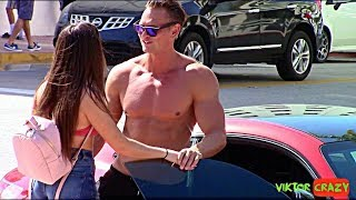 BODYBUILDER PICKING UP GOLD DIGGERS PRANK!!