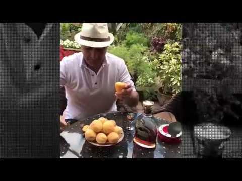 Как надо кушать армянские абрикосы. Ответ армяням.