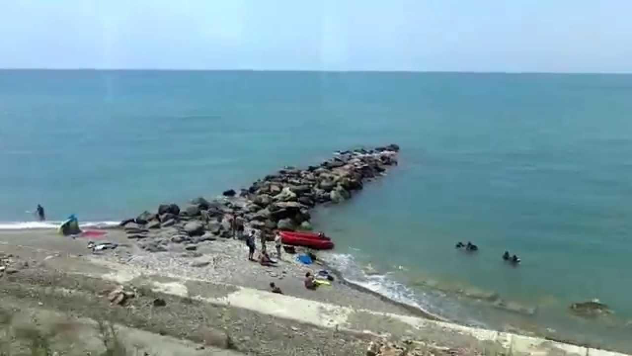голые на пляжах лазаревское