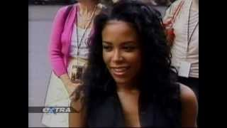 Extra tv show talking about Aaliyah and Queen of the Damned