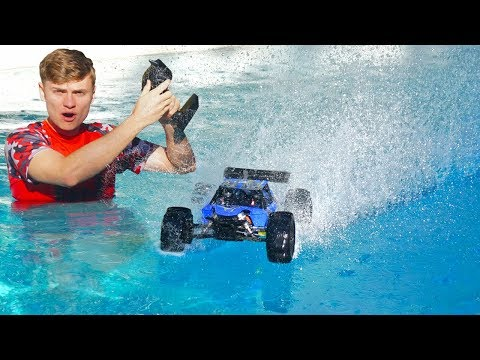 RC CAR DRIVES ON POOL!!