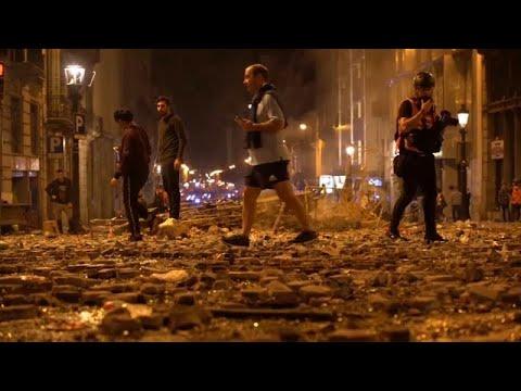 شاهد: ليلة خامسة عنيفة.. كتالونيا غاضبة وتدعو مدريد إلى مفاوضات غير مشروطة…  - نشر قبل 11 ساعة