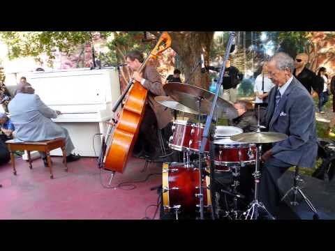 """Summertime"" Street Piano Project - Oliver Jones, Eric Lagacé, Norman Marshall Villeneuve"