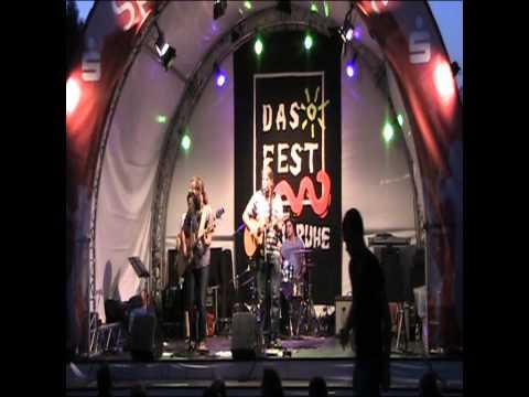 "Zimmer mit Musik - Africa (Toto cover) -  Live bei ""Das Fest 2013"" in Karlsruhe"