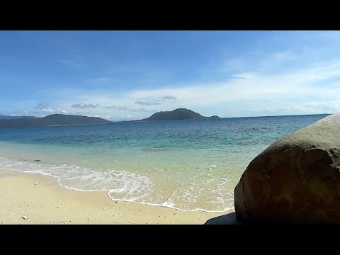 Virtual Treadmill Walk - Fitzroy Island - Nudey Beach & Lighthouse Trail, Queensland Australia