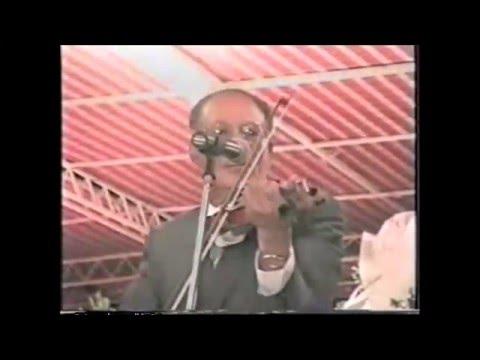 مؤسس الطرب صباح فخري - حفلة ال شمسي عام 1995 - قصيدة بحمرة ورد خدك بالبياض - نادر جدا - 4